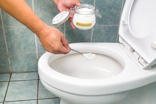 重曹のアロマ芳香剤でトイレ掃除
